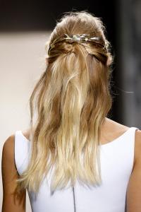 Balenciaga-Spring-2013-Hairstyles