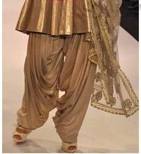 Designer_Salwar@_IIJW_2012 (8)_thumb[1]