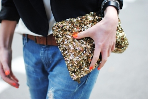 details, boyfriend jeans, sequin clutch, brown leather belt