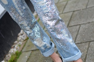 jeans-sequin-distressed-denim-boyfriend-religion-710x470