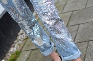 jeans-sequin-distressed-denim-boyfriend-religion-710x470